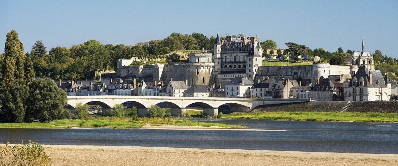 Historic wine or gastronomy experiences in France